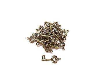 50 pendants key hollow flower shape Bronze