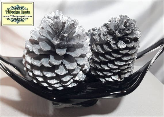 Christmas decor silver, Christmas decor elegant, Christmas decorations, Christmas home decoration, Christmas decor gift, 4 silver pine cones