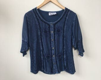 1990's Women's blouse with embroidery