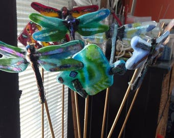 Colorful fused glass garden stakes. Can be done in custom colors just message me .