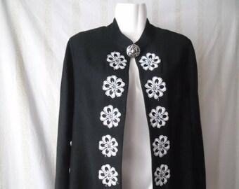 Vintage 90s Black White Flowers Front Caftan Cardigan,Midi Long Caftan,Long Sleeve Black White Cardigan,Vintage 90s Floral Caftan Cardigan