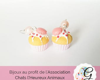 Pink Cupcake stud earrings and button