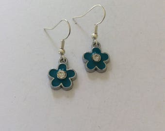 Blue flower earrings / flower earrings / flower jewellery / flower gift