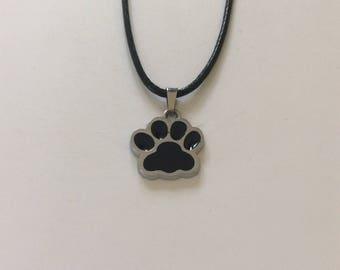 Black paw print necklace / paw print jewellery / pet jewellery / animal jewellery / animal lover gift
