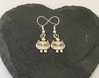 Cat earrings / cat jewellery / cat lover gift / pet jewellery / animal jewellery / animal lover gift