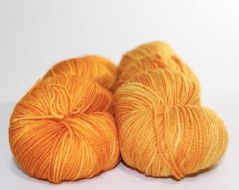 Magic. Citrine. Fingering weight 100g. Tonal orange sock yarn. Tonal yarn. Sock yarn. Superwash merino sock yarn. Hand dyed sock yarn