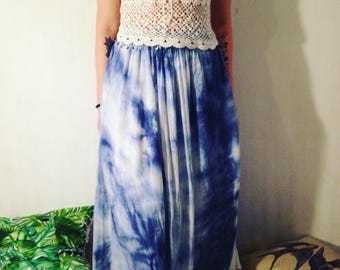 Vintage batique  blue/white maxi Skirt hippie with belt