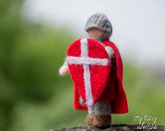 Knight Hospitaller Doll. Needle Felted Knight. Soft Sculpture. Historical Doll. Ready to Ship