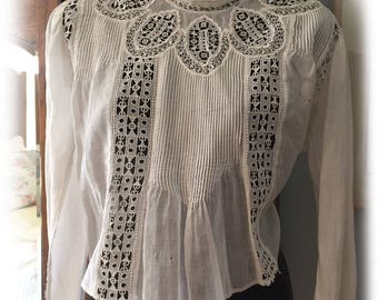 SALE! Antique Vintage Edwardian/Victorian white cotton blouse elegant high collared