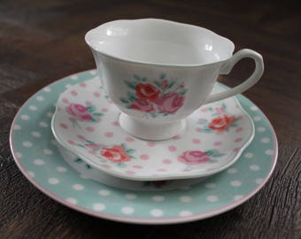 Pretty tea cup trio