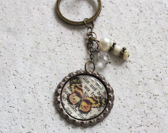 Key chain, upcycling, bottle caps, vintage motif, butterfly