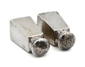 Antique 1900s Home Decor, 925 Sterling Salt Pepper Shakers, Victorian House Decoration, Geometric Squared Shakers, 1905s R M & S number 34