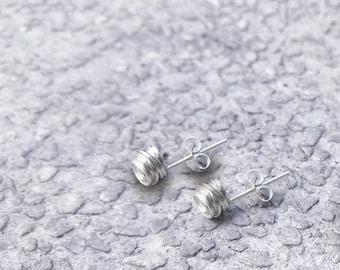 Wire round 925 silver stud earrings (SE002)