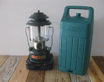 Coleman CL2 Adjustable 2 Mantle Lantern w/ Carrying Case & Globe 11/83