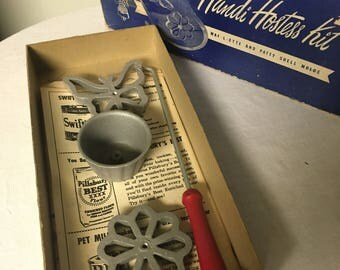 Handi hostess kit waf-l-ette and patty molds