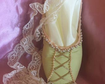 Princess and the Pea Vintage Pointe Shoe
