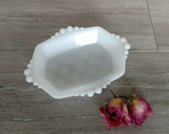 Vintage Milk Glass Dish / Milk Glass Soap Dish / Milk Glass Candy Dish / Trellis Detail / Ribbed Detail