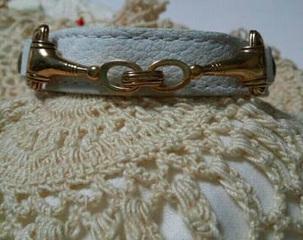 Barse thai white leather and gold tone bracelet