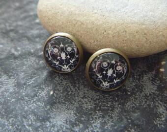 vintage Earrings: black