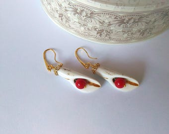 Long white Earrings,Earrings Handmade,Stretched lobes Earrings White Howlite and Coral,Wire Wrapped Jewelry