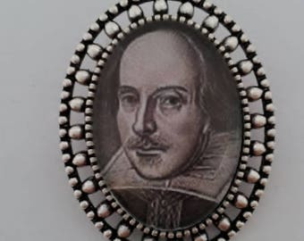 Wiliam Shakespeare Brooch
