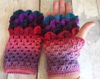 Ladies gloves - fingerless gloves - teen gloves - texting gloves - driving gloves - dragon gloves - fingerless mitts - ladies winter gloves