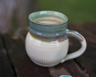 Chattered Textured Coffee Mug