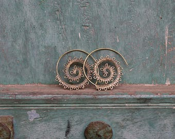 Earrings Brass Hoops Spiral Leaves / Boucles d'oreilles Créoles Spirale feuilles en Laiton