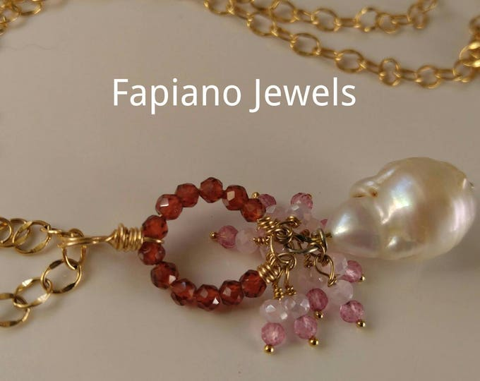 White Baroque pearl, large gemstone pendant, garnets, pink sapphires, rose quartz dangle and drop pendant necklace long chain. Yellow gold.