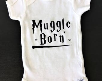 Harry Potter, Muggle Born Onesie / Harry Potter Baby / Gerber Onesie / Baby Clothes / Wizard Witch / Wizarding World / Muggle / Bodysuit