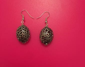 The Pippa fish hook earring