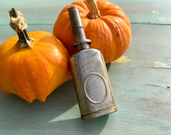 Mini-oil can, Thumb oiler