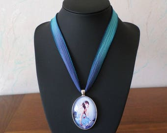 Locket romantic girl, Silk Ribbon