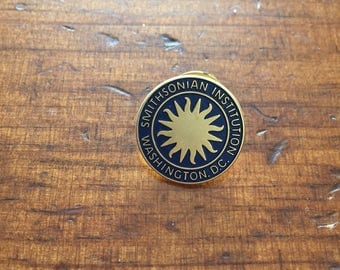 Smithsonian Institution Pin