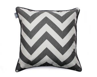 We Love Beds Zig Zag Gray Pillow Case