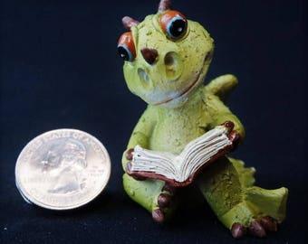 Dragon Reading: Top Collection, Fairy garden, miniature garden, dragon