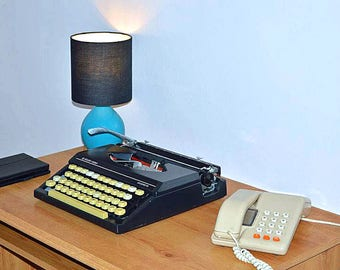 Typewriter Vintage Black Silver Reed Silverette Professionally Serviced 1980s