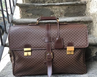 Rare 48-hour Gucci vintage leather suitcase, perfect as a Valentine's Day gift; For collectors.