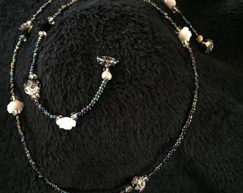 Black And White Rose Necklace