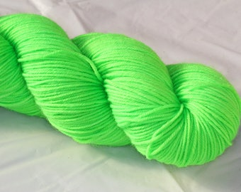 Hand Dyed 'Fluoro Green' 4 ply Australian Sock Yarn 100 grams