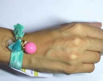 Bracelet links in detail in laser and rhinestones
