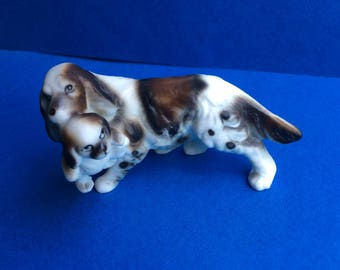 Collectible French Brittany Spaniel Mom with Puppy Figurine
