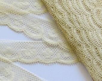 Vintage lace trim leaves 22mm/2m50