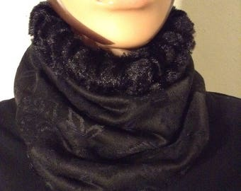 Snood black filled and black floral print tone on tone