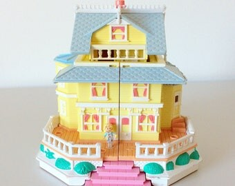 Vintage 1995 Polly Pocket Clubhouse - Yellow Mansion - With Doll