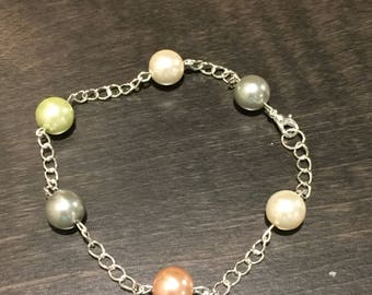 Pearl multicolor and chain link bracelet