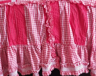 Vintage Handmade Red White Plaid Check Ruffle Smocked Twin Coverlet Bedspread