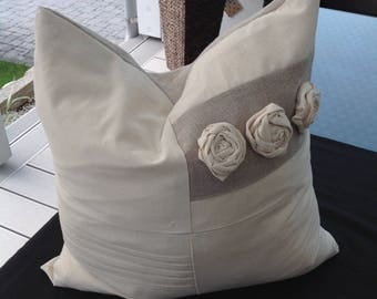Cushion cover with roses