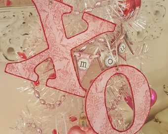 Vintage Pink And Red X O Cutout Ornaments With Glitter Shabby Chic Valentine Ornament Hug And Kiss Love Decoration Set of 4