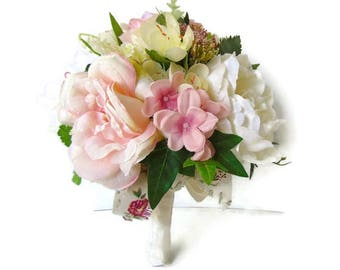 Silk Bridal Bouquet in Silk, Soft Pink and Creams Wedding Bouquet, brides silk bouquet, bridal bouquet. Free Delivery